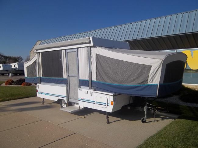 1995 Coleman Avalon Tent C&er #9808 & Finnegansu0027 RV Center Inc. -