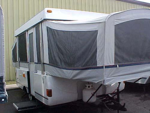 & 2004 Fleetwood Santa Fe Tent Camper